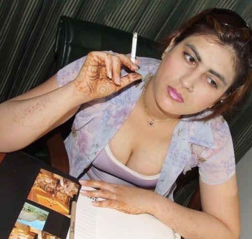 Girls Smoking Pubs  Public Places-6079