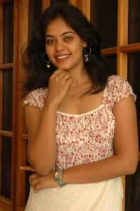 actress bindu madhavi sexy photo gallery