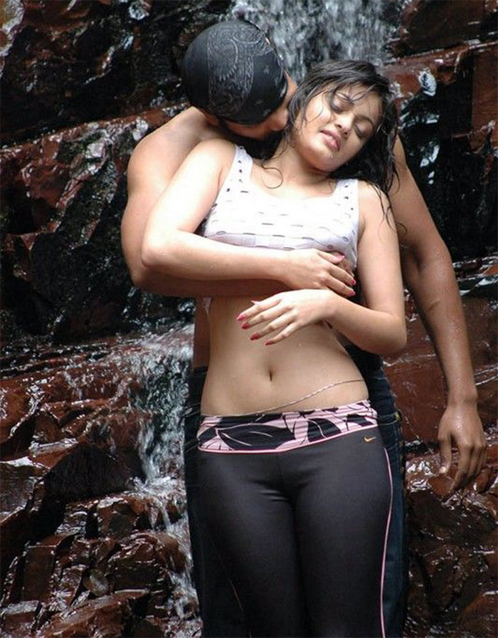 South Indian Hot Actress Kisses
