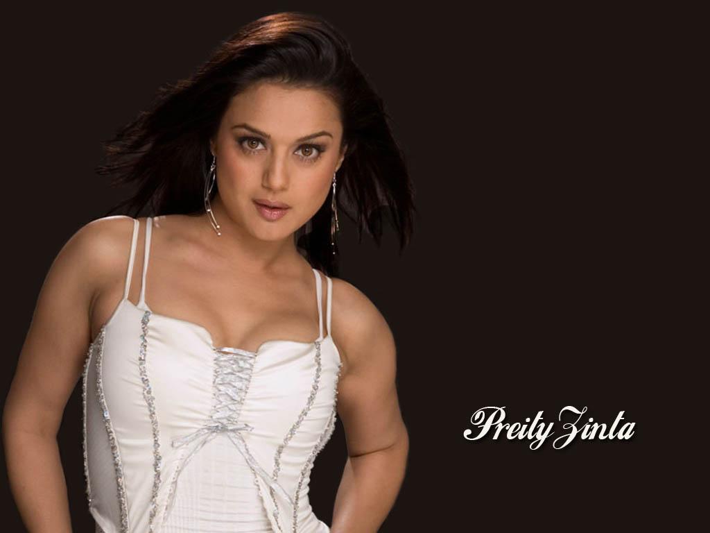 Preity Zinta Posing Nude Topless Pics-4600